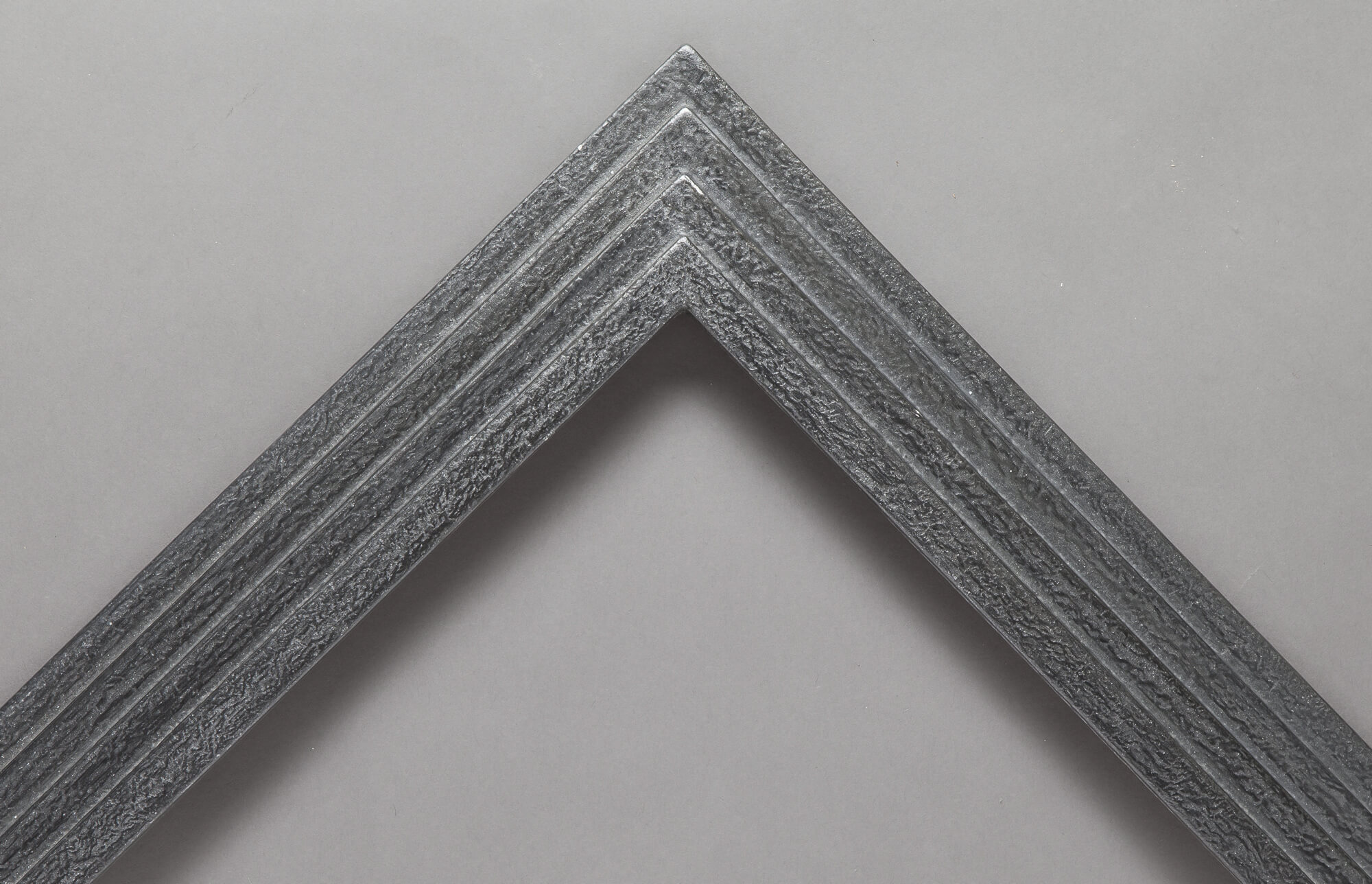 Reverse Stepped Frame in graphite finish
